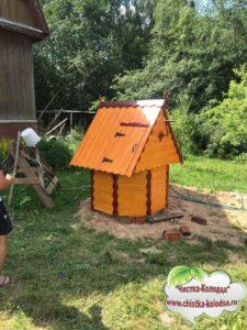 домик для колодца клин